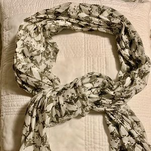 White and green Patterned Scarf